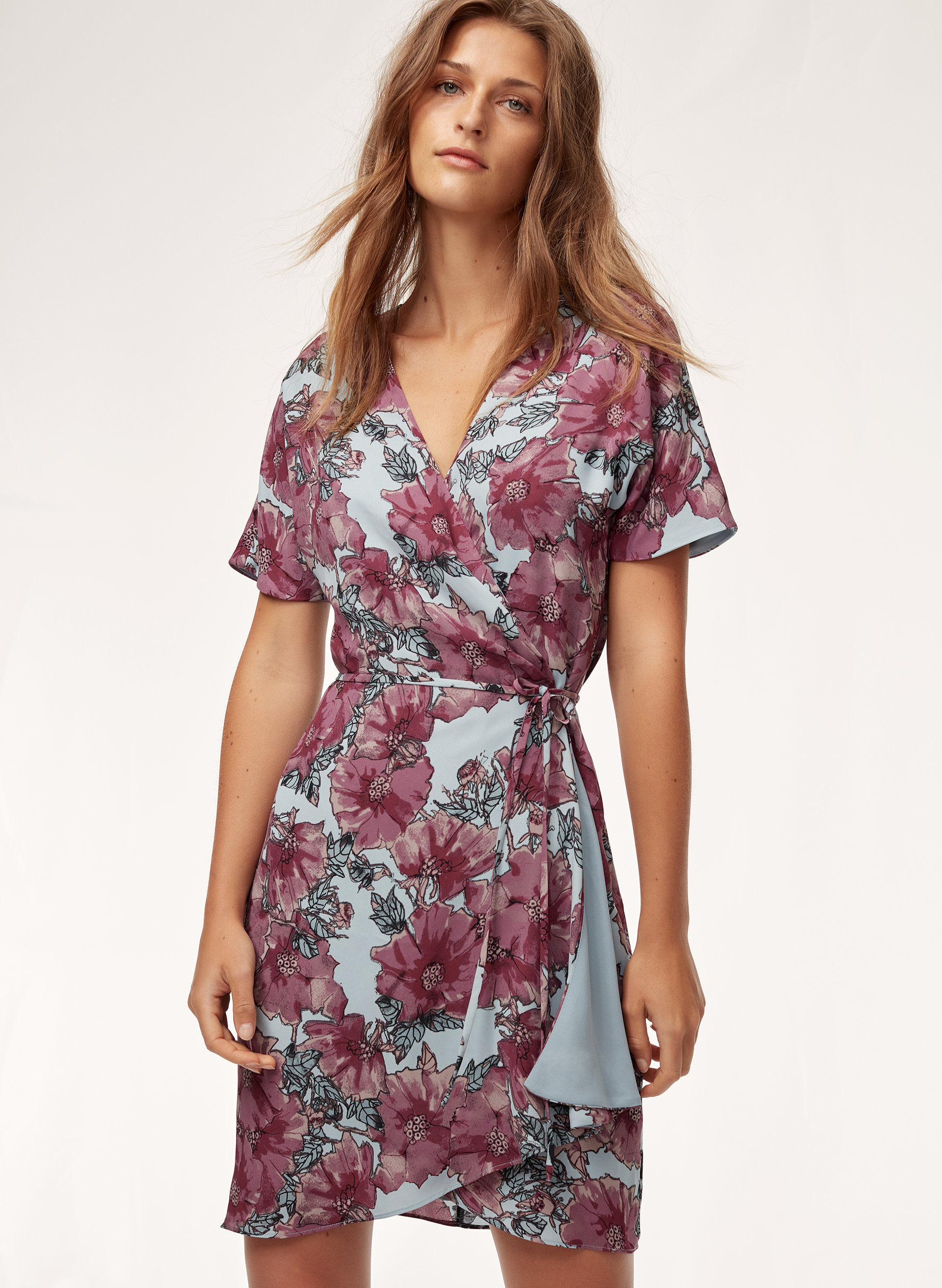 6394a5ed154 Black Floral Short Sleeve Wrap Dress - Data Dynamic AG