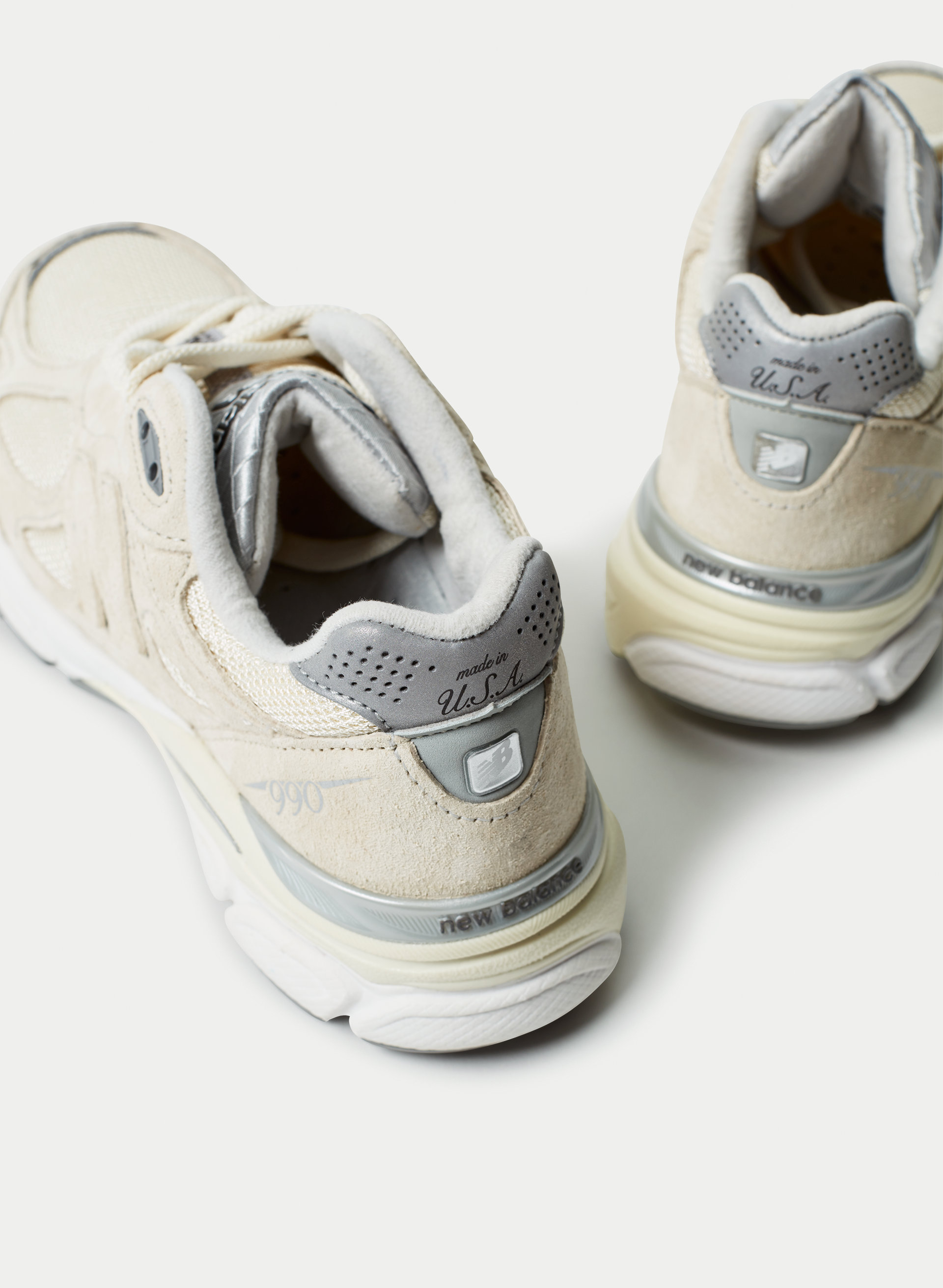 reputable site fa661 8d4da New Balance NEW BALANCE 990 V3 | Aritzia US