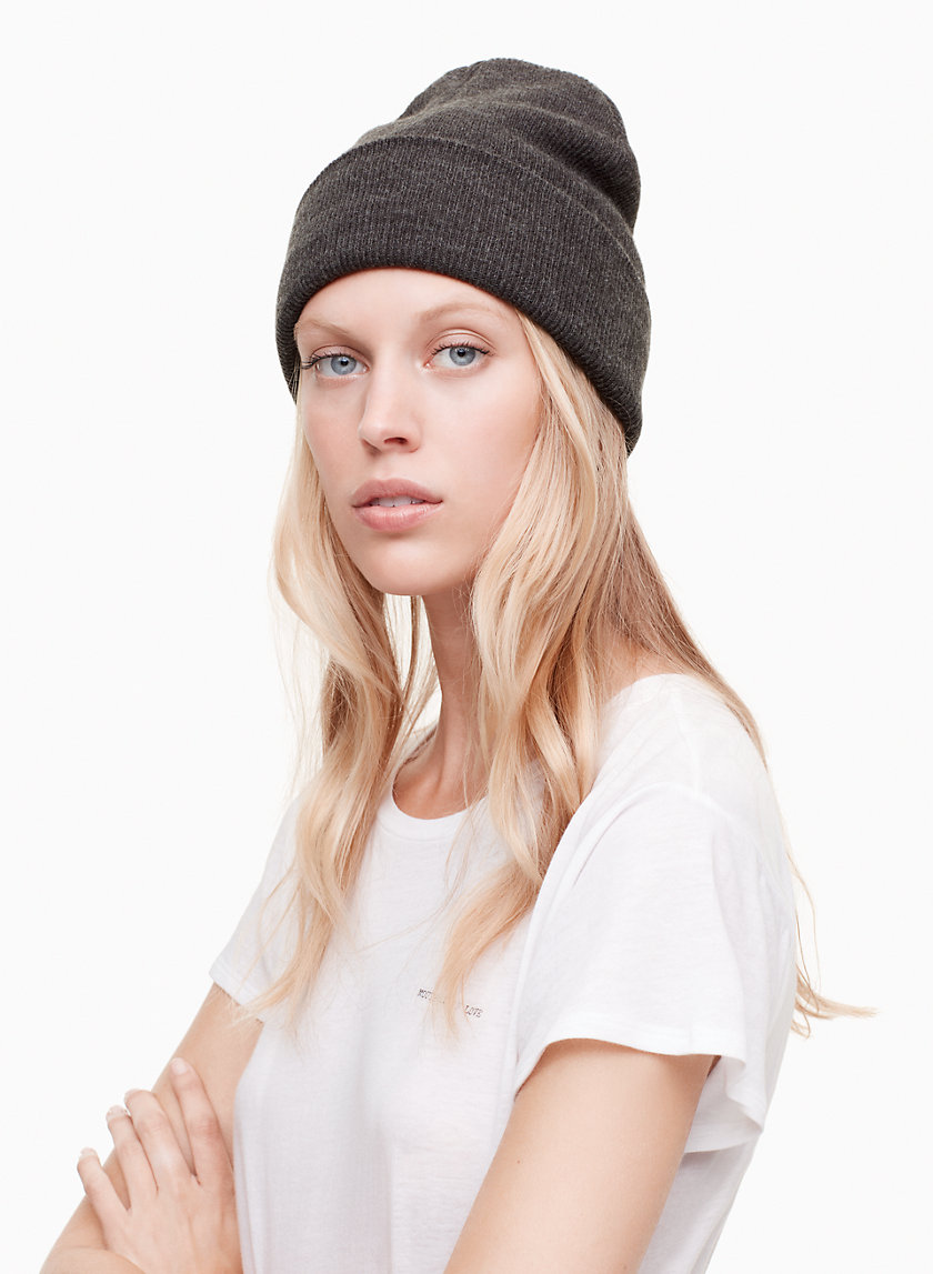 Azure Skies EUSTON PEAK HAT | Aritzia