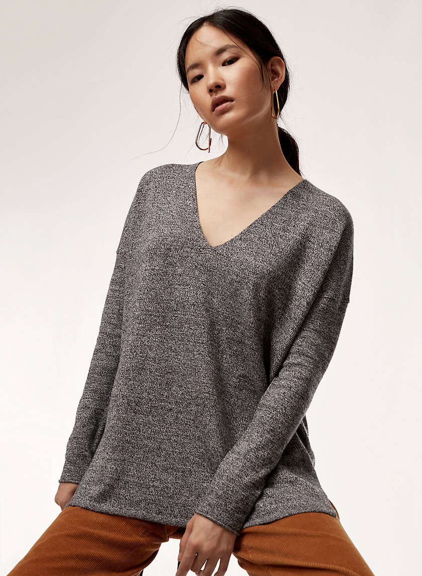 ERIN SWEATER - Lightweight V-neck sweater