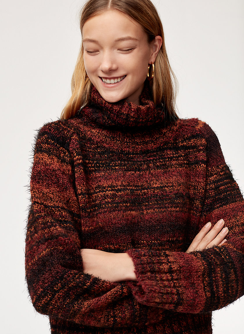 TITUS SWEATER - Cropped, oversized turtleneck sweater