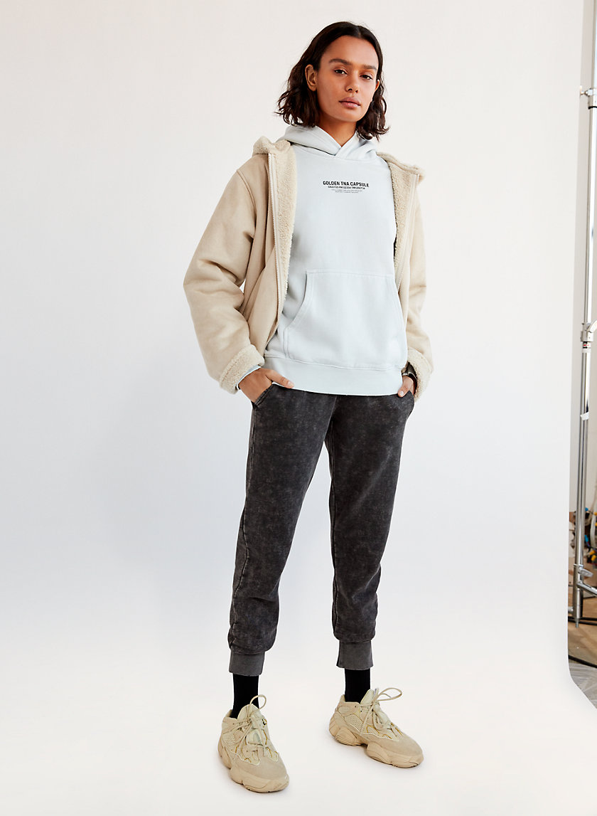 Golden by Tna THE PERFECT JOGGER | Aritzia