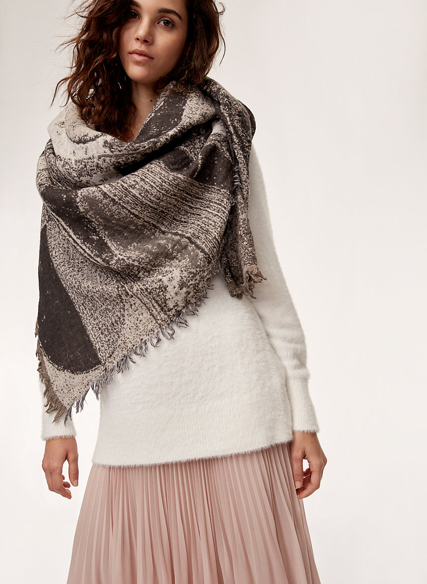 Wilfred HAUS PARTY BLANKET | Aritzia