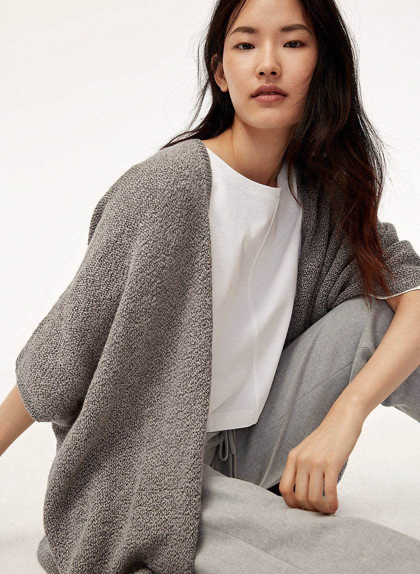 IONIC CAPE - Oversized, knitted cardigan
