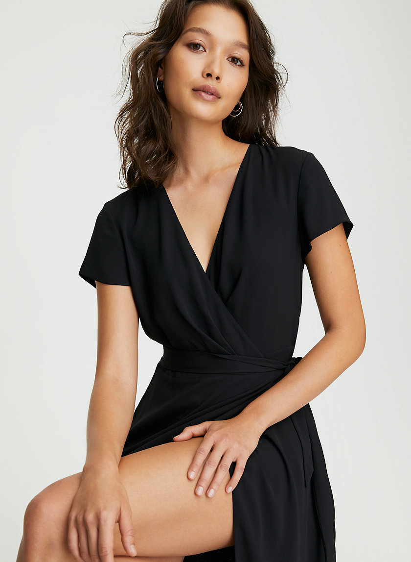 SLIT WRAP DRESS - Long, short-sleeve wrap dress