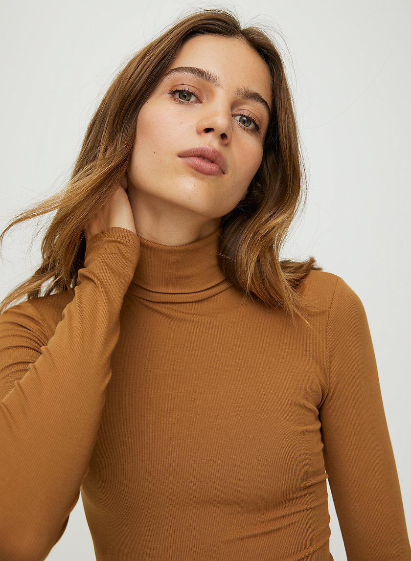 HACKNEY T-SHIRT - Ribbed turtleneck shirt