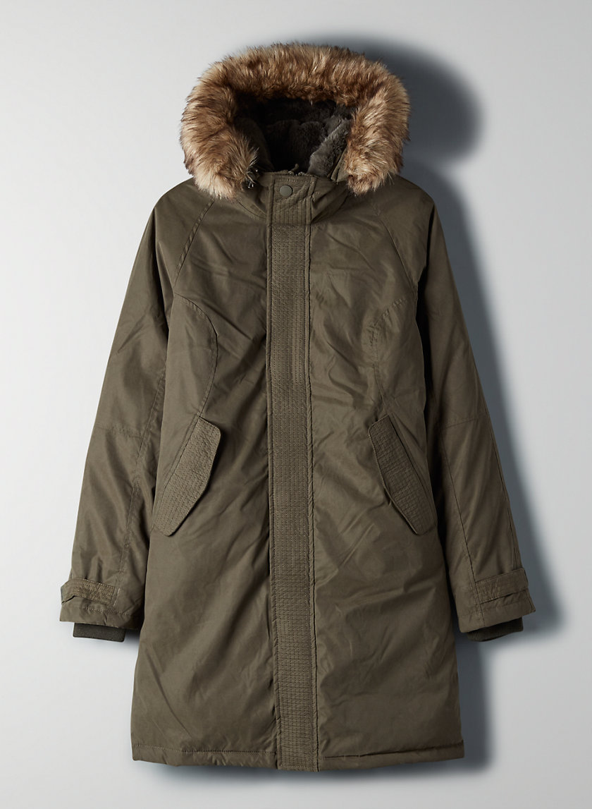 SUMMIT PARKA - Slim-fit, down-filled parka
