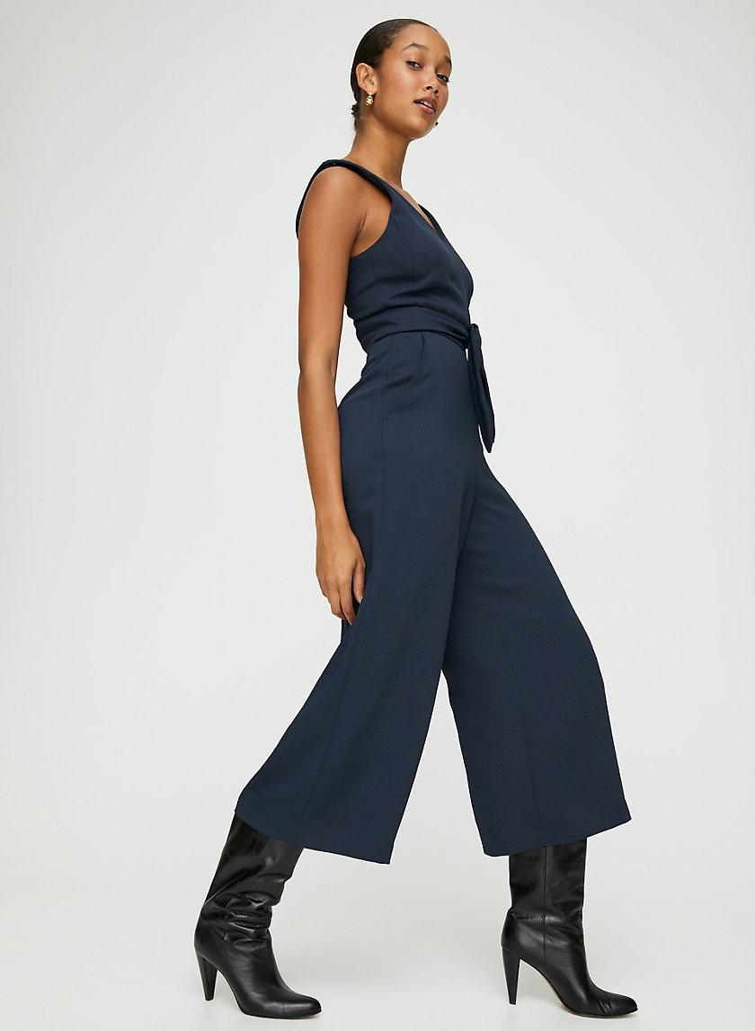 ÉCOULEMENT V JUMPSUIT - Tie-waist V-neck jumpsuit