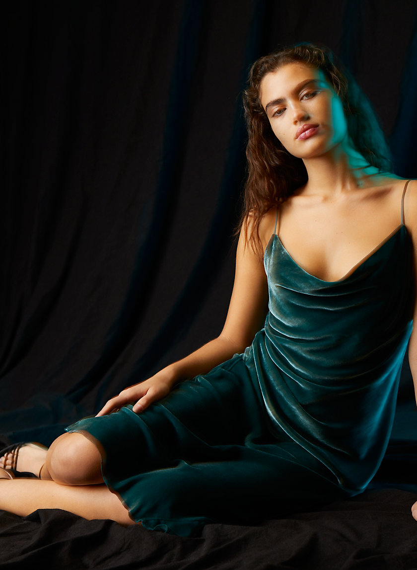 CANTO DRESS - Velvet slip dress
