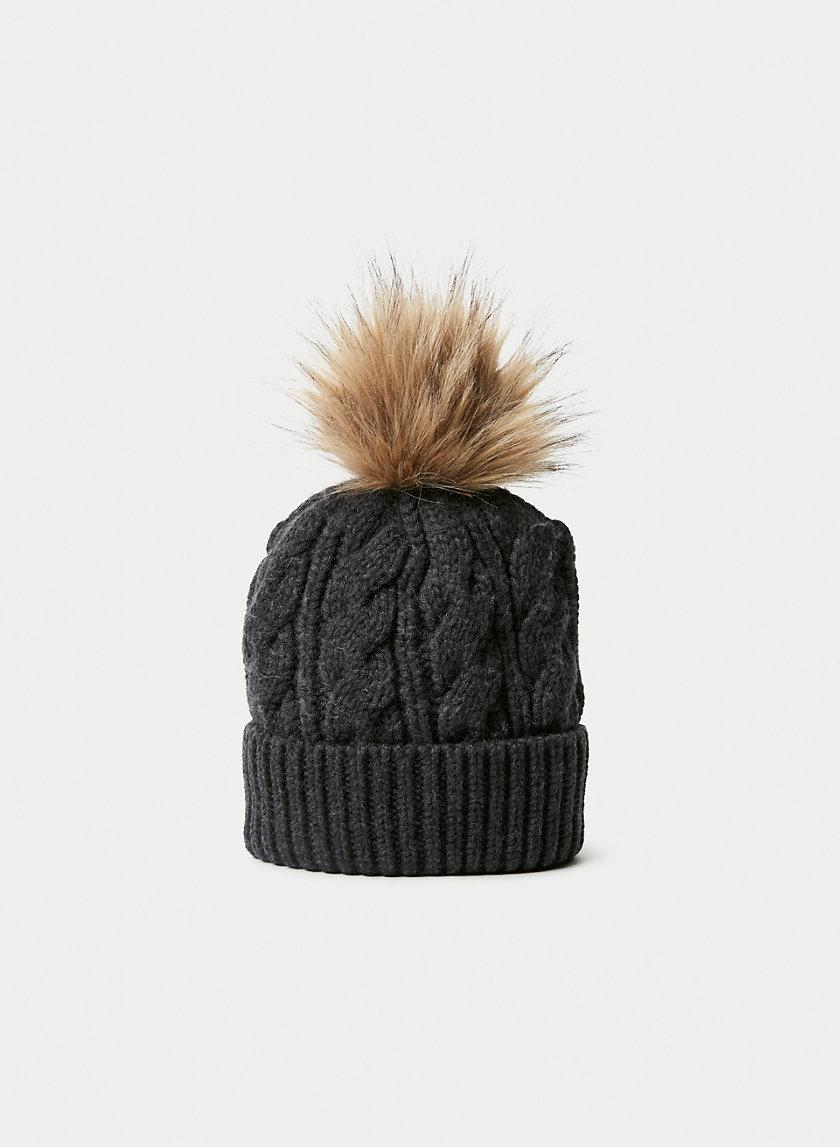 WOOL CABLE BEANIE - Pom wool beanie