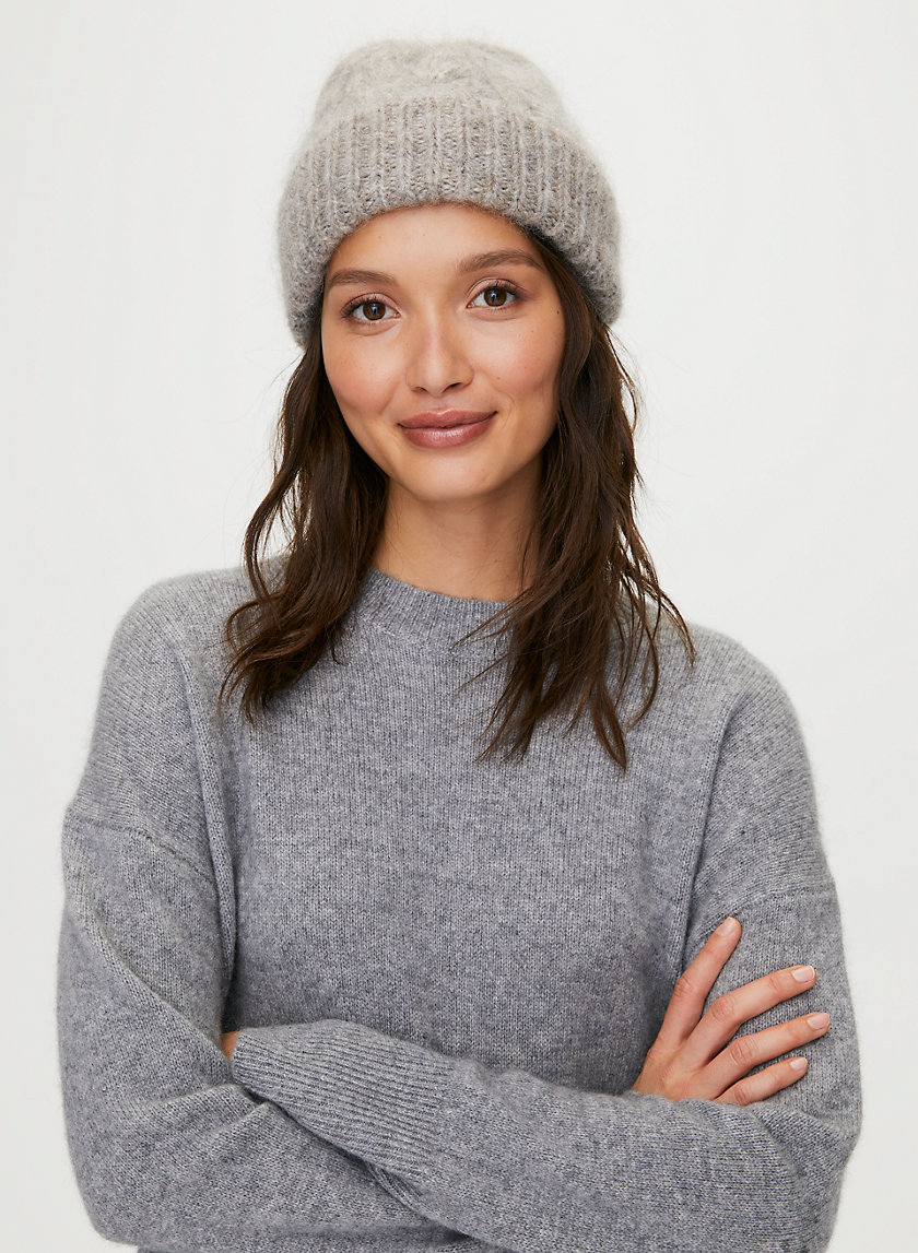CABLE CUFF BEANIE - Cuffed cable-knit beanie