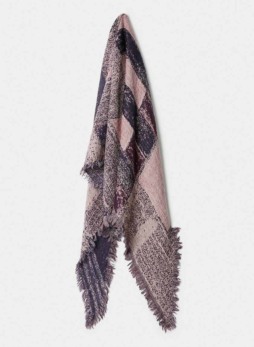 HAUS PARTY SCARF - Patterned, wool triangle scarf