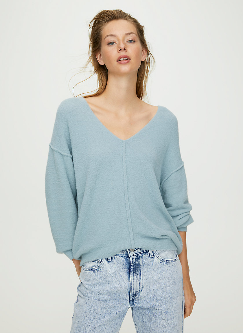 RELAXED V-NECK SWEATER - Relaxed v-neck chenille sweater