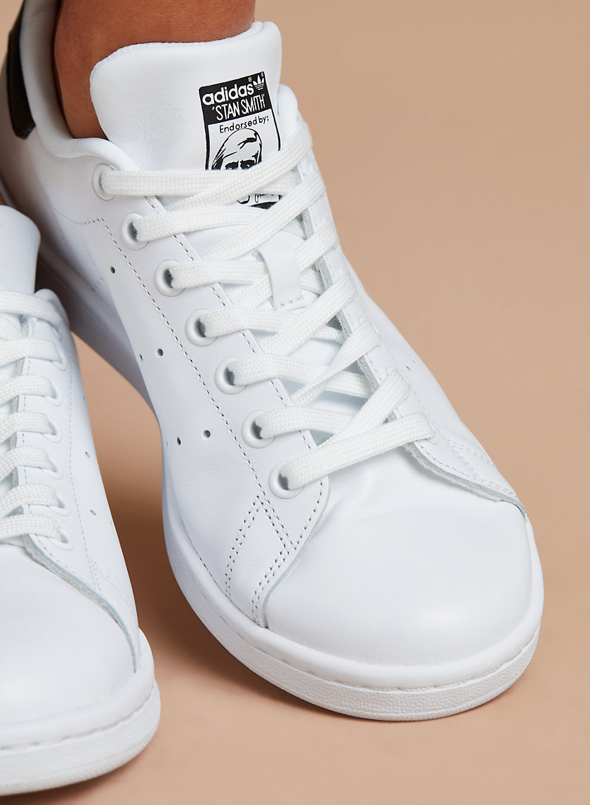 halpa klassinen tyyli Uutuudet adidas STAN SMITH SNEAKER | Aritzia CA