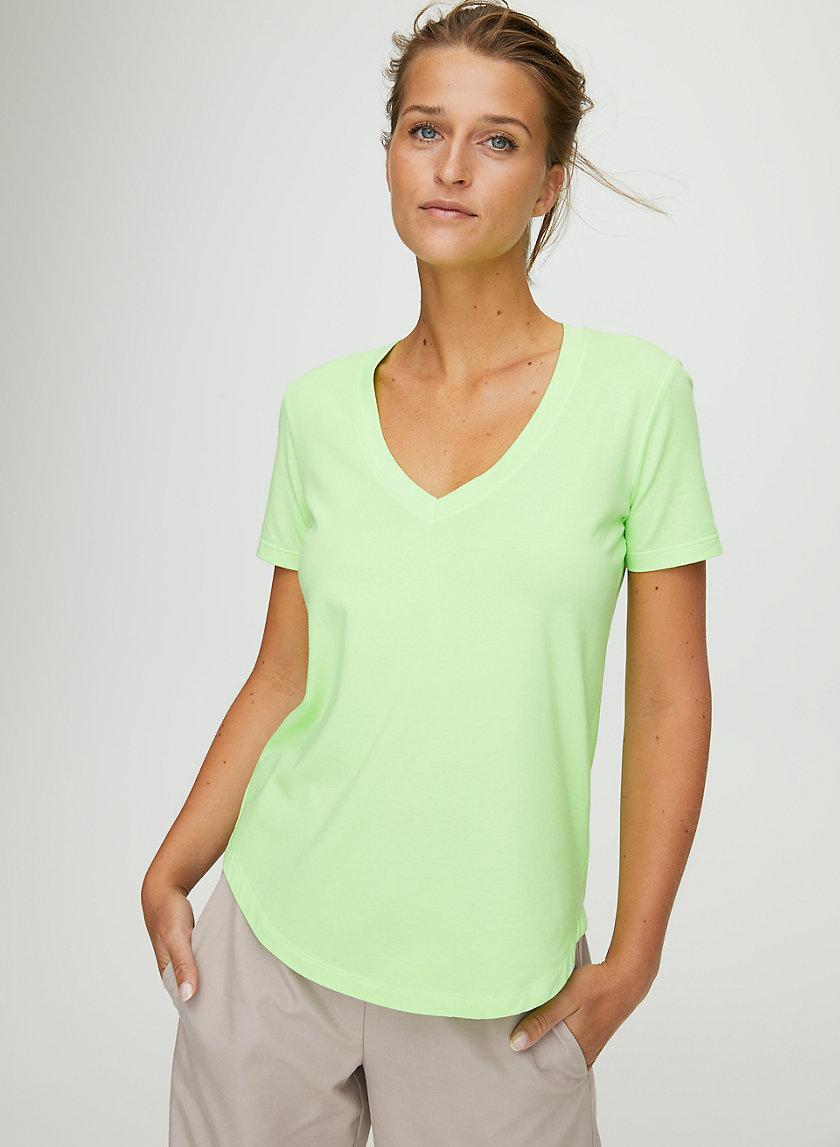 FOUNDATION V-NECK - V-neck t-shirt