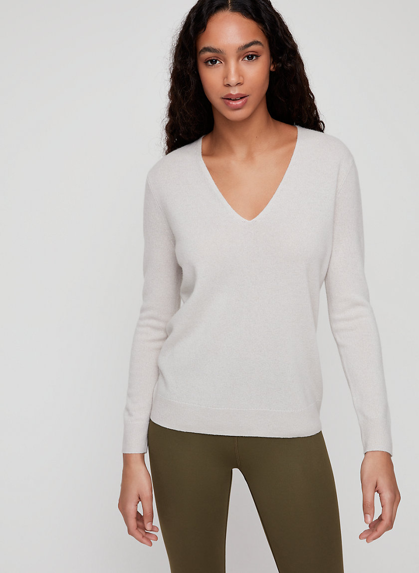 LUXE CASHMERE V-NECK - Machine-washable cashmere sweater