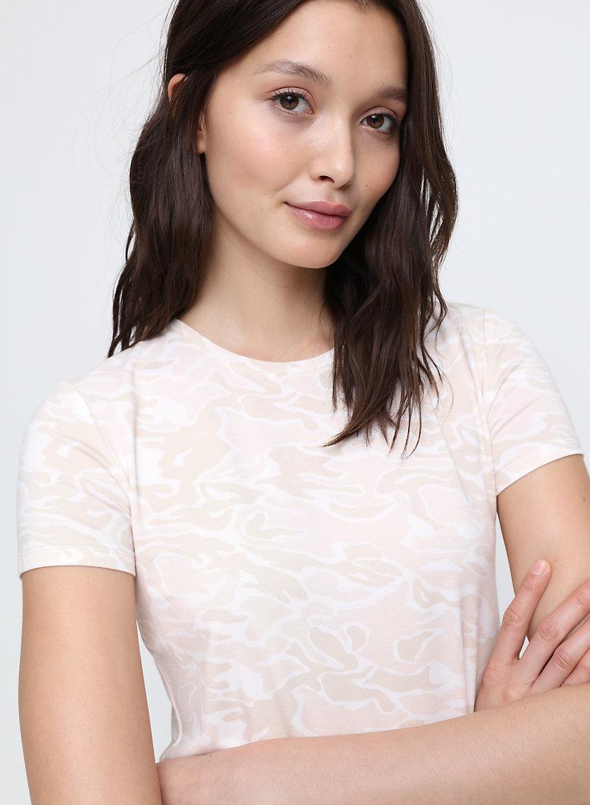ISAMU T-SHIRT - Cropped, camo t-shirt