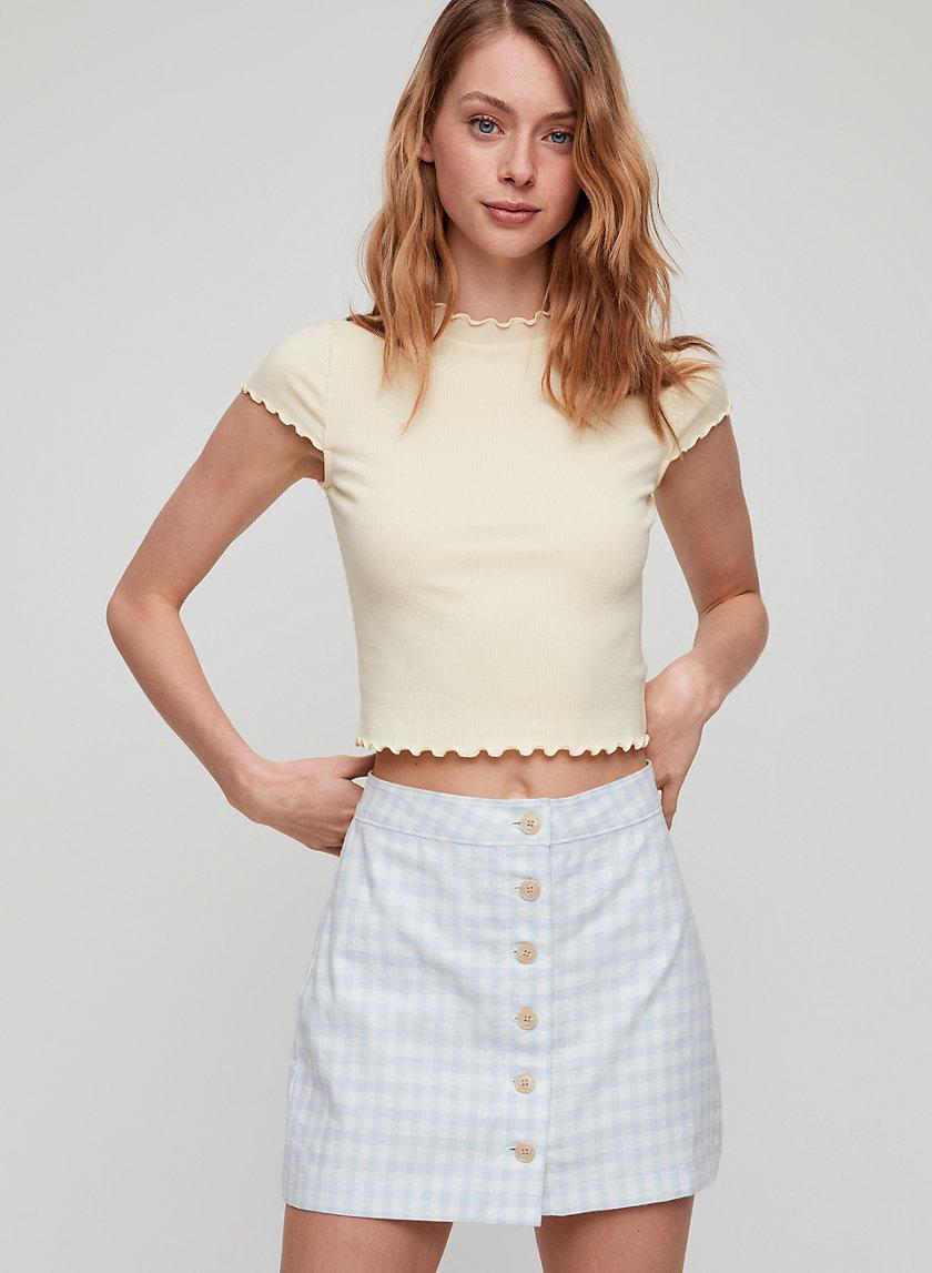 CROWNE T-SHIRT - Cropped, mock neck t-shirt