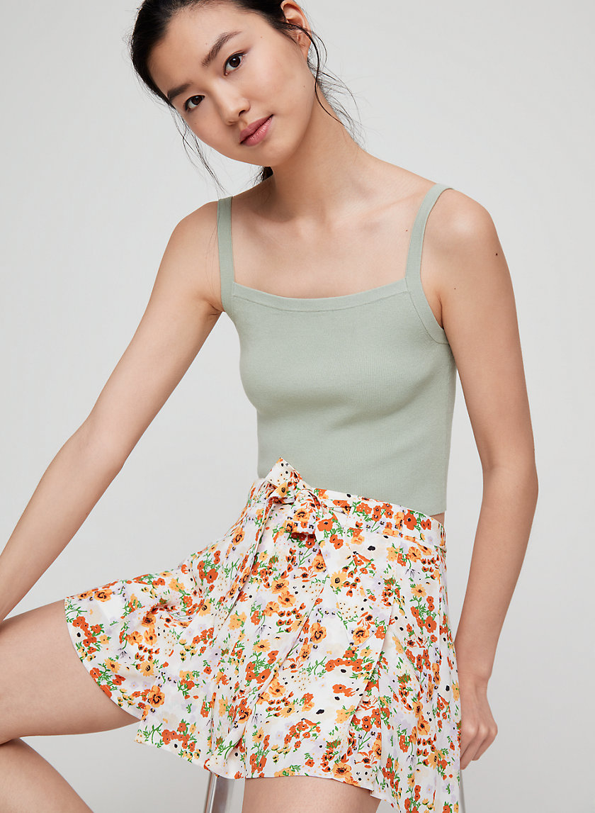 WESTLEY SHORT - Floral, pleated dress shorts
