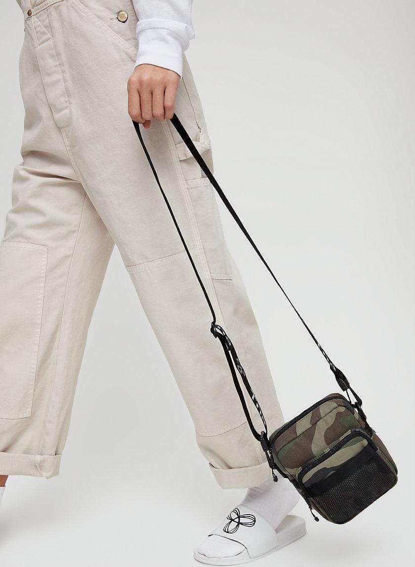 ZOET CAMERA BAG - Nylon crossbody bag