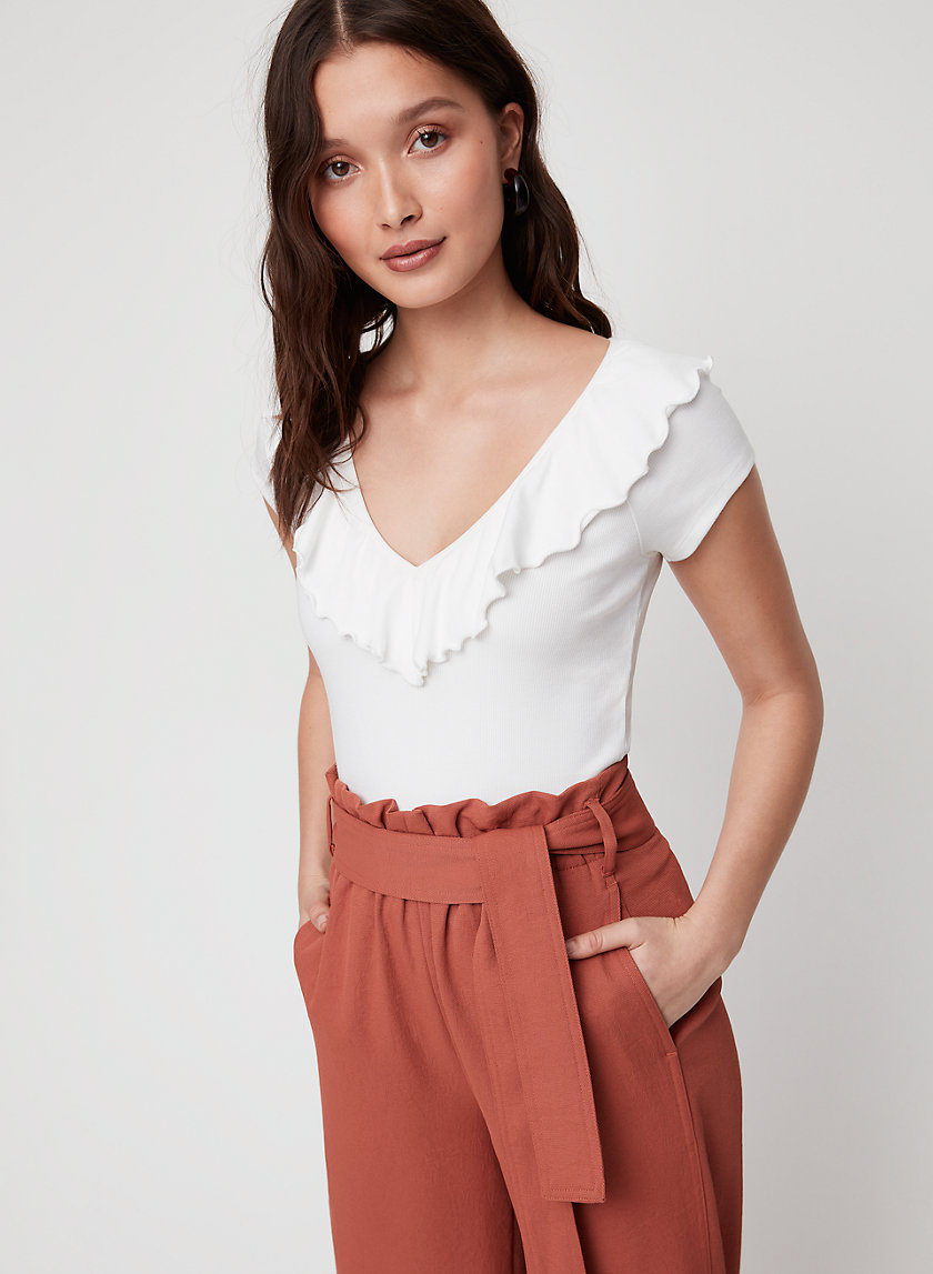 DANETTE T-SHIRT - Cropped, ruffled V-neck t-shirt