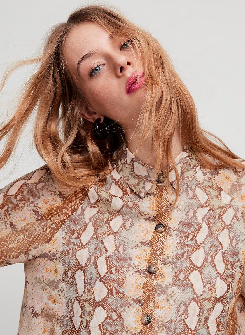 HENRIETTA SHIRT LS - Cropped, snake print blouse