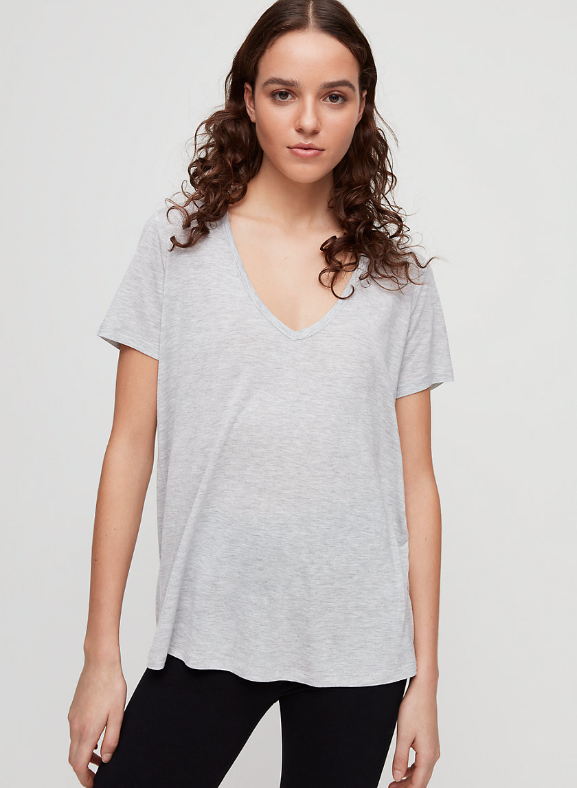 ASHLEY T-SHIRT - Essential V-neck t-shirt