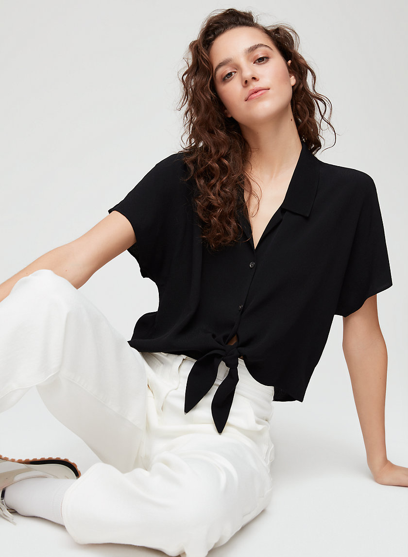THE TIE-FRONT BLOUSE - Cropped, short-sleeve blouse