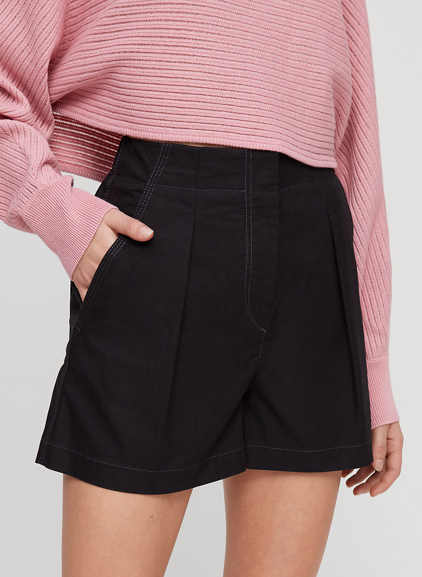 TANSY SHORT - High-waisted pleated shorts