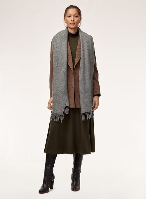 baf100cc1 THE CLASSIC WOOL SCARF - Wide rectangle fringe scarf
