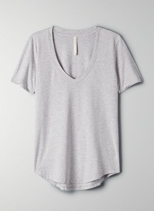 FOUNDATION V-NECK T-SHIRT | Aritzia