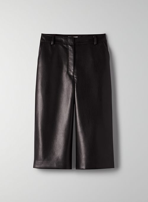 LONG WIDE-LEG SHORT