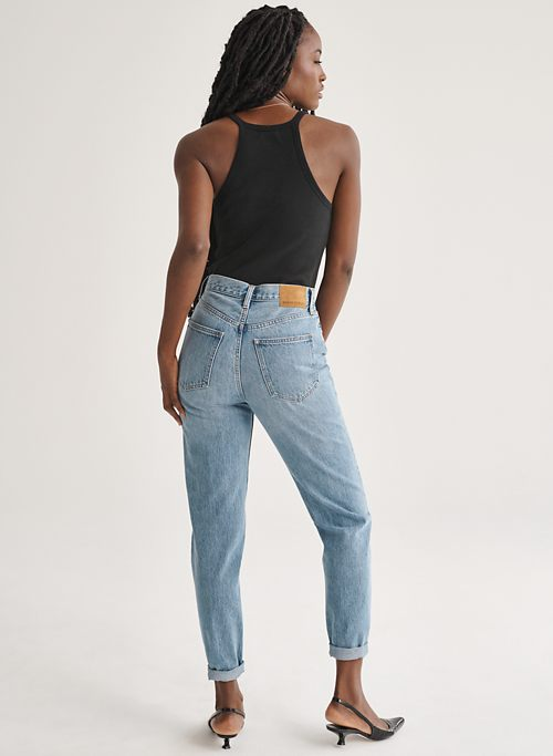 THE BOYFRIEND HIGH RISE LOOSE 28L - High-waisted, loose cuffed jeans