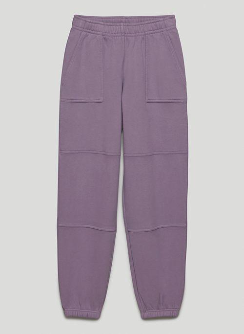 COZY FLEECE BOYFRIEND CARGO JOGGER - Mid-rise fleece utility sweatpants