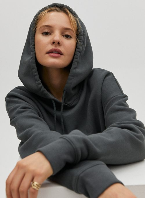 Activewear for Women | Shop Bottoms, Tops & Bras | Aritzia CA