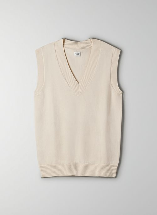WINSTON SWEATER VEST - Oversized, cable-knit sweater vest