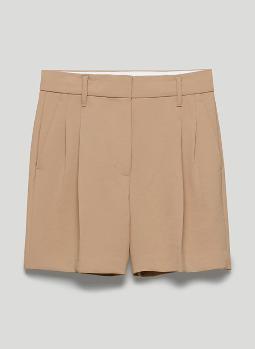 """EFFORTLESS SHORT 5"""" - High-waisted, double-pleated shorts"""