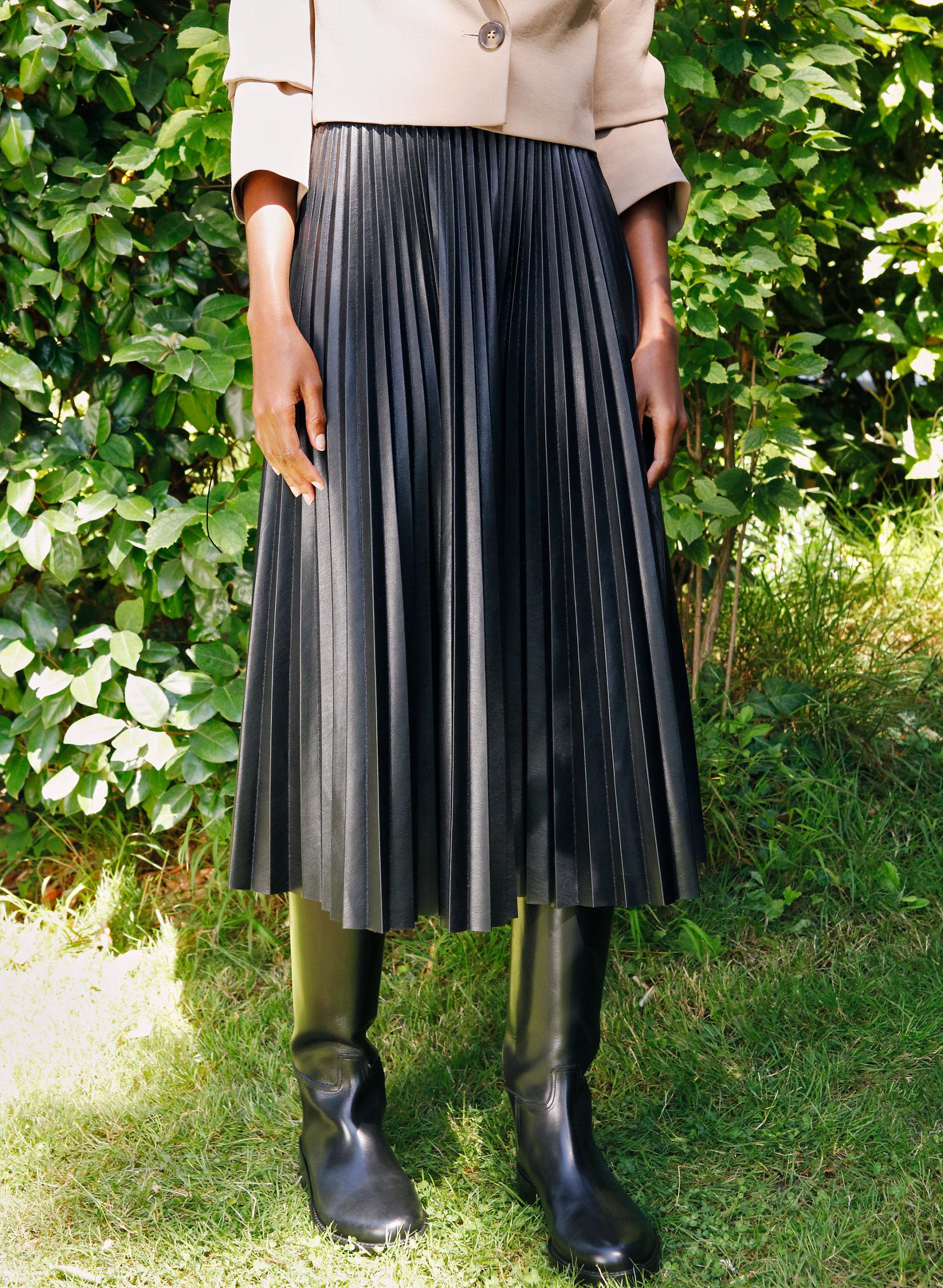 ORTEGA SKIRT - Pleated vegan leather skirt